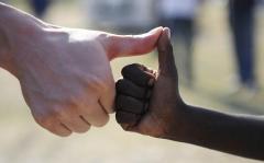 人民日报:国际人道主义精神值得加倍珍视