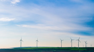 2020年中国电力市场供需及用电地区分布情况分析