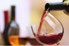 2020年葡萄酒市场供需及预测,进口酒暴利不再,国产葡萄酒正崛起「图」