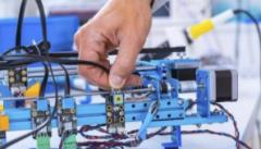 专家把脉制造业高质量发展:加大资金投入 推动技术创新