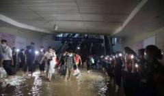 """""""中国铁路心脏""""郑州水灾严重,对全国交通影响几何?"""