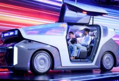 """""""汽车机器人""""上路、昆仑芯片量产:百度的AI经怎么念?"""