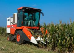 付书顿改装玉米收获机为秋收助力